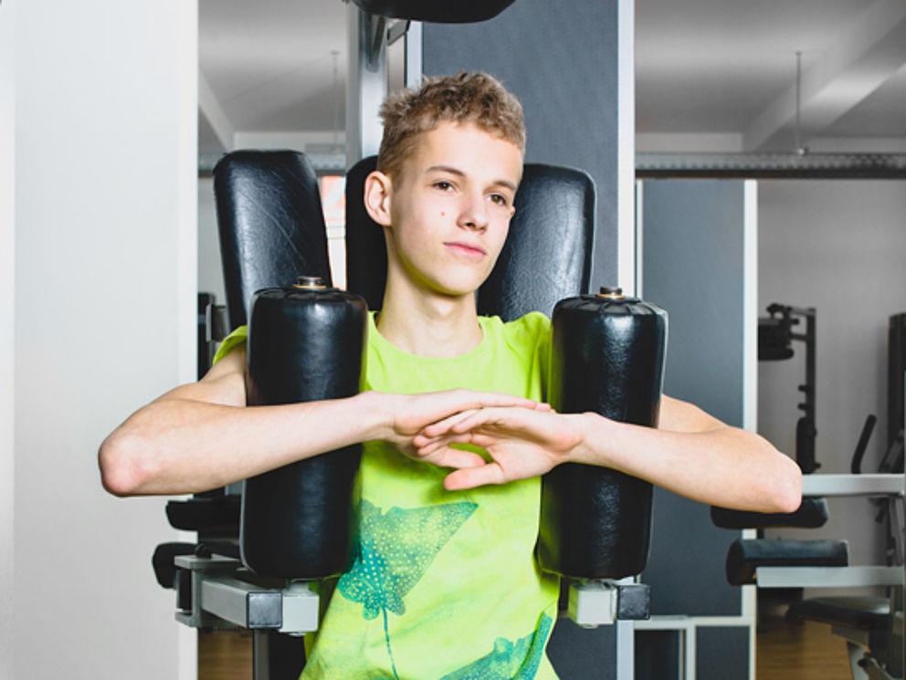 Krafttraining und Muskelaufbau, Korrektur von Haltungsschäden für Kinder-und Jugendliche