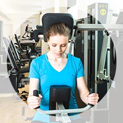 Krafttraining bei Schulter-und Nackenverspannungen sowie bei Kopfschmerzen oder Migräne mit unserer Spezialmaschine G 5