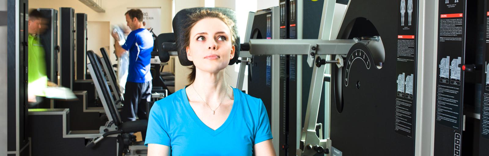 Bei Schulter-und Nackenschmerzen hilft unsere G 5 MedX Trainingsmaschine